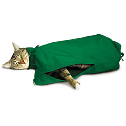 SACK,CAT,SMALL CAT SACK WITH FULL UNDERSIDE ZIP - GREEN